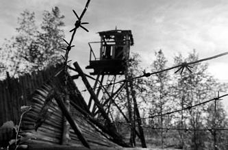 Тюменская область. Сохранившаяся караульная вышка в одном из заброшенных лагерей