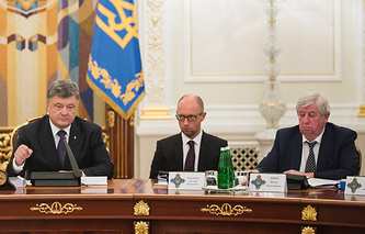 Петр Порошенко, Арсений Яценюк и Виктор Шокин (слева направо)