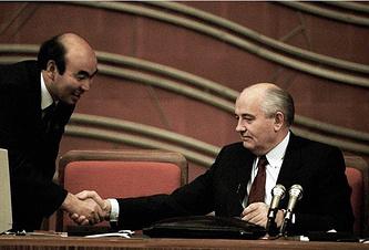 Аскар Акаев и Михаил Горбачев