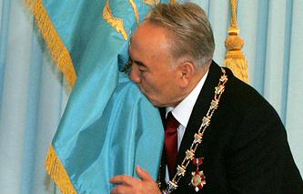 Нурсултан Назарбаев во время торжественной церемонии инаугурации, 2006 год