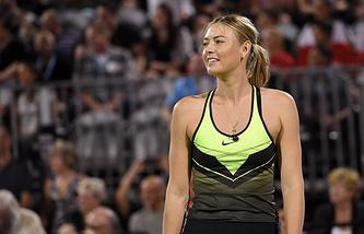 Шарапова проиграла олимпийской чемпионке Пуиг в выставочном матче