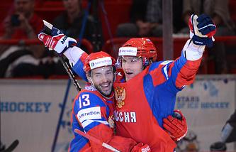 Форварды сборной России Павел Дацюк и Александр Овечкин, 2012 год