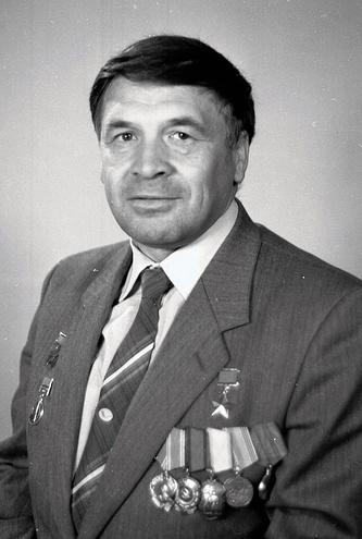 Летчик-испытатель, Герой Советского Союза Николай Бездетнов