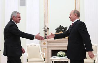 Президент Абхазии Рауль Хаджимба и президент РФ Владимир Путин, 2016 год