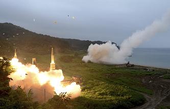 Запуск ракет в рамках совместных учений США и Южной Кореи