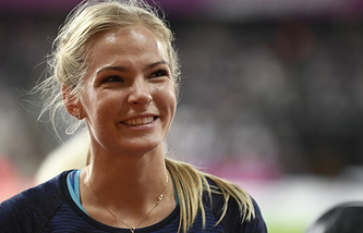 Россиянка Дарья Клишина после соревнований по прыжкам в длину на чемпионате мира