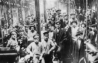 Рабочие Путиловского завода