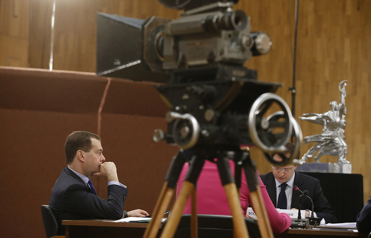 Dmitry Medvedev (left) at a meeting of the governmental Council for development of the Russian cinematography