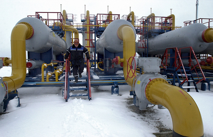 Russian gas pipeline heading to Europe through Ukraine (archive)