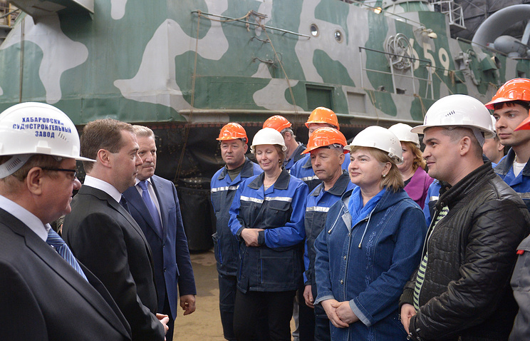 Prime Minister Dmitry Medvedev at the Khabarovsk shipbuilding plant