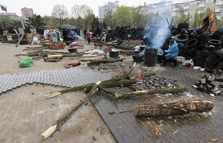 Barricades in Donetsk