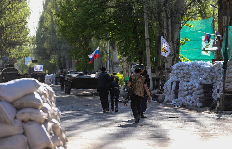 On a street in east Ukraine's Sloviansk