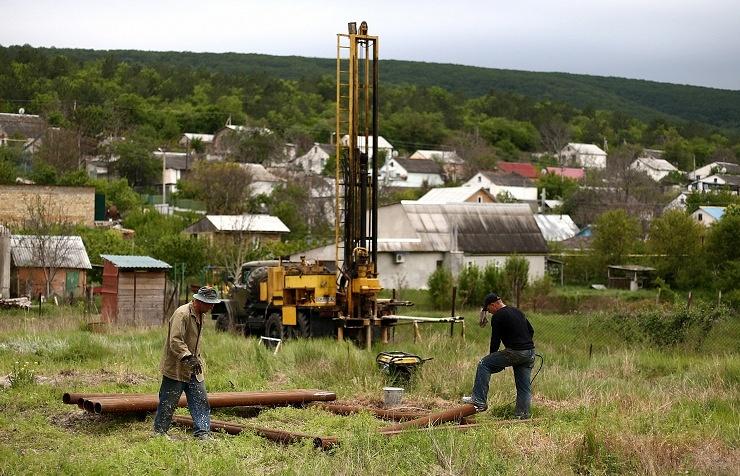 Artesian wells brought back into operation in Crimea