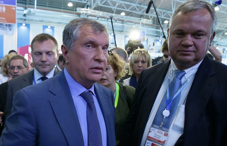 Rosneft CEO Igor Sechin (left)