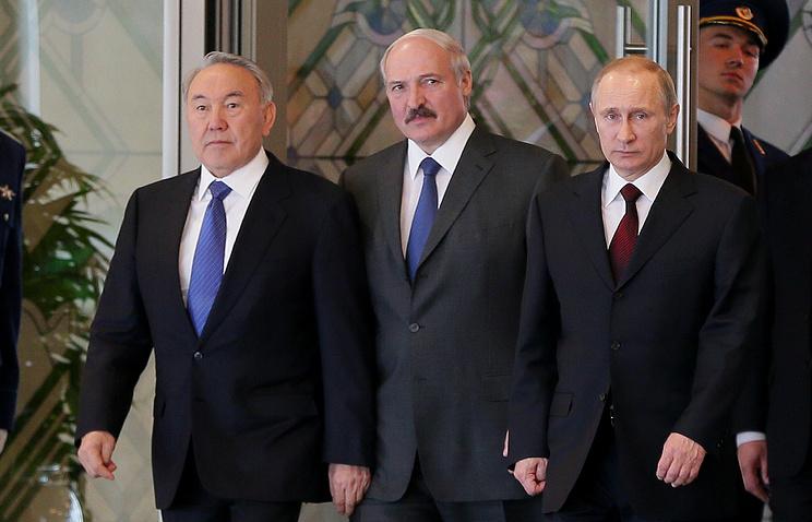 Left to right: Kazakhstan's President Nursultan Nazarbayev, Belarusian President Alexander Lukashenko and Russian President Vladimir Putin