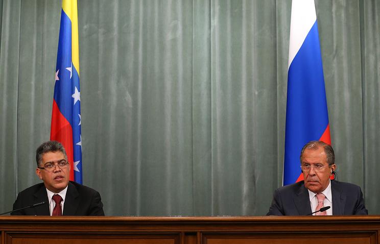 Venezuela's Foreign Minister Elias Jaua and Russia's Foreign Minister Sergei Lavrov