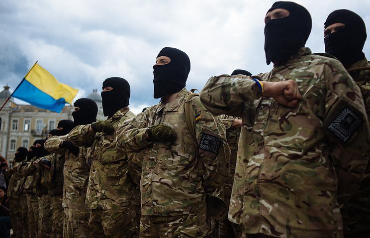 Soldiers of Ukrainian army battalion 'Azov' (archive)