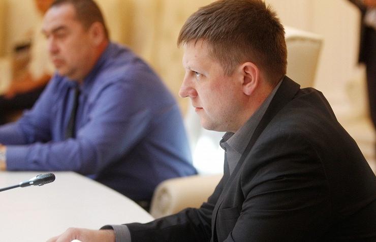 LPR Prime Minister Igor Plotnitsky (L) and Chairman of the Supreme Council of LPR Alexei Karyakin (R)