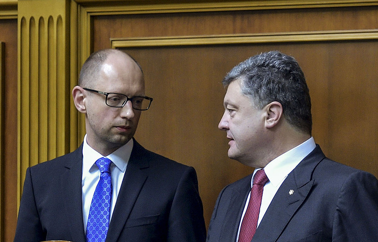 Arseniy Yatsenyuk and Petro Poroshenko (archive)