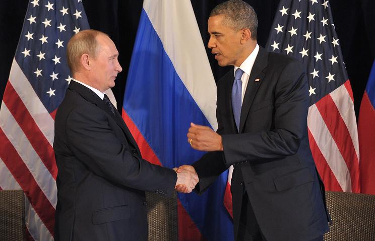Russian President Vladimir Putin (L) and US President Barack Obama (R)