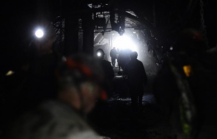 Coalmine workers (archive)