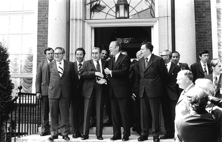 Soviet General Secretary Leonid Brezhnev shakes hands with President Ford after their first round of talks at the American Embassy in Helsinki, July 30, 1975