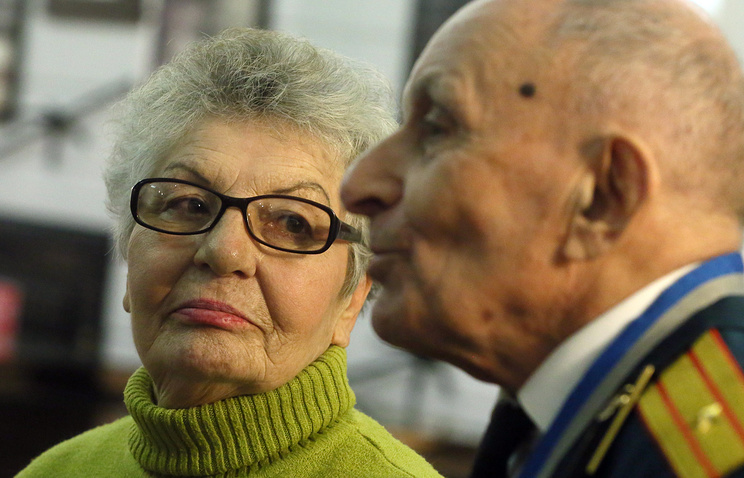 Alexandra Garbuzova and WWII veteran Leontiy Brandt