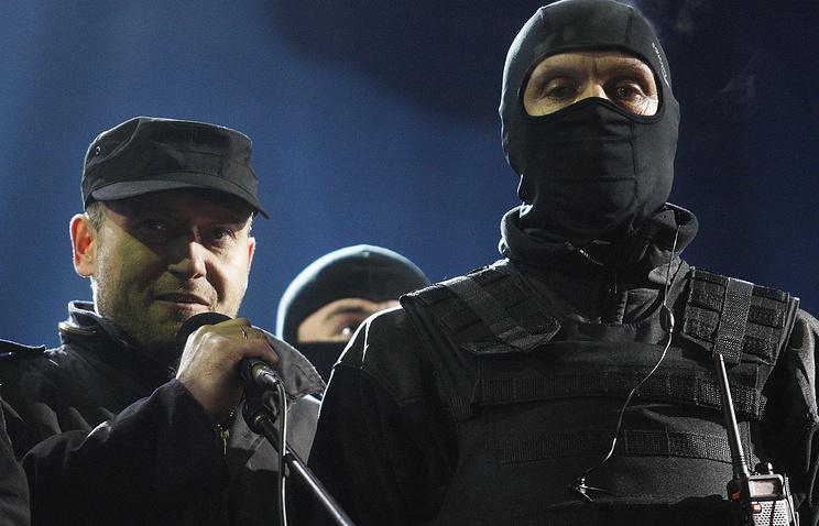 Dmytro Yarosh (left)