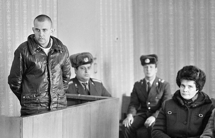 A man in court for not being officially employed in the USSR (archive)