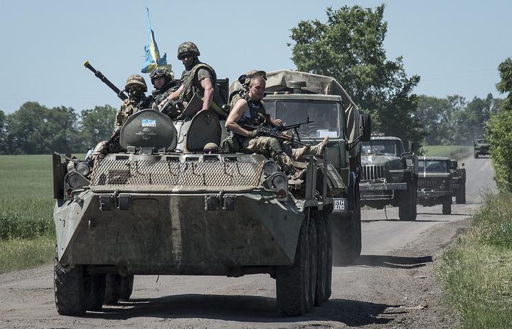 Ukrainian army servicemen