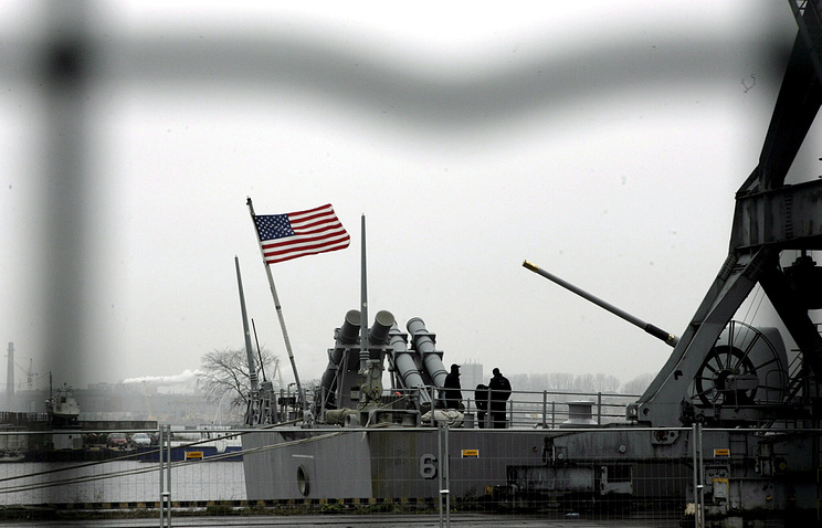 US guided missile cruiser in the Riga export terminal