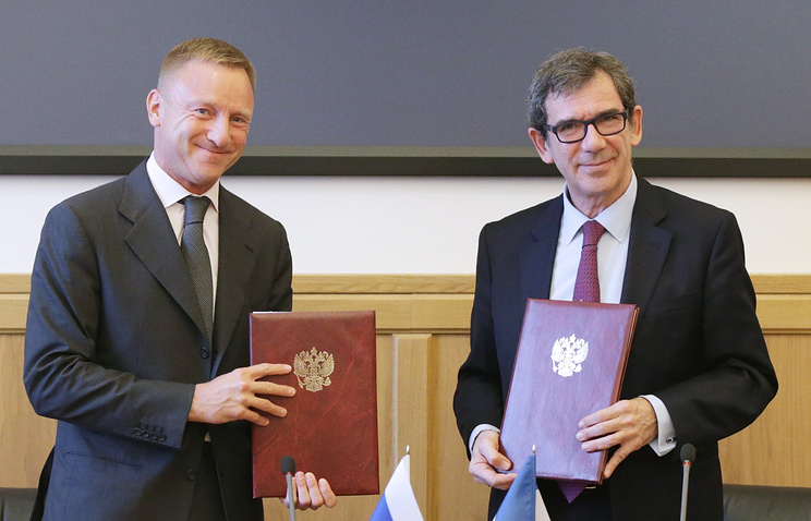 Russian Minister of Education and Science Dmitry Livanov and French ambassador to Russia Jean-Maurice Ripert