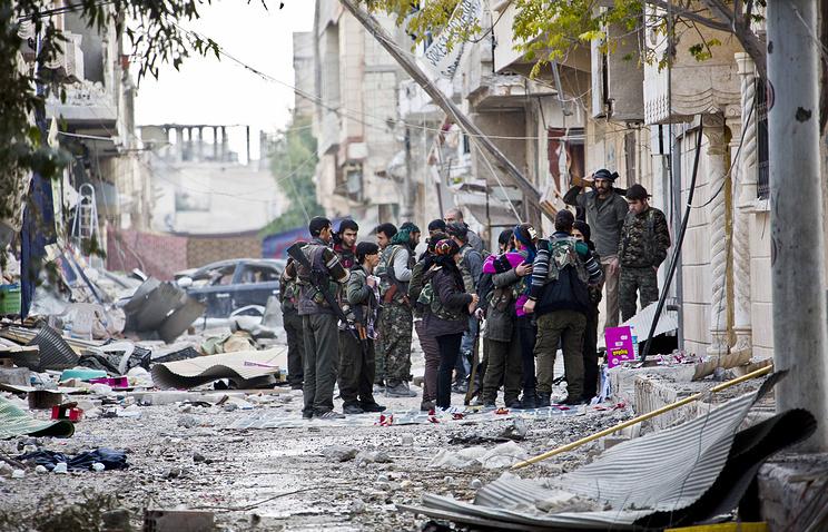 Fighters from Kurdish popular defense units