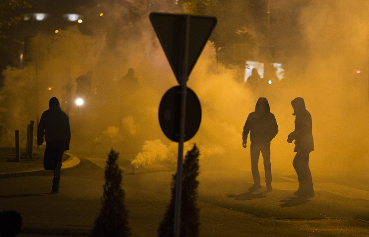Radicals clash with police in Pristina