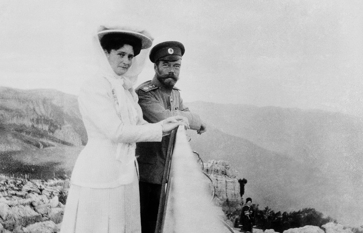 Russian Emperor Nicholas II and Empress Alexandra in Crimea in 1909