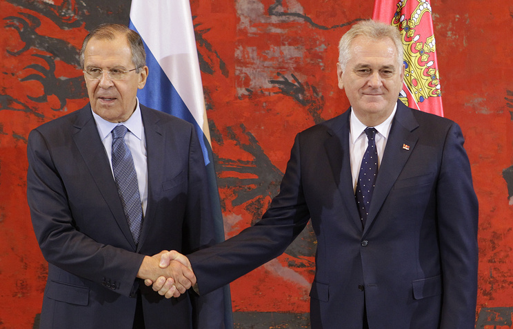 Russian Foreign Minister Sergei Lavrov and Serbian President Tomislav Nikolic