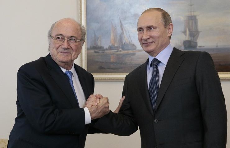FIFA President Sepp Blatter and Russian President Vladimir Putin (archive)