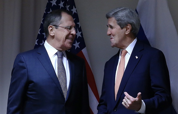 Russian Foreign Minister Sergey Lavrov (left) and US Secretary of State John Kerry