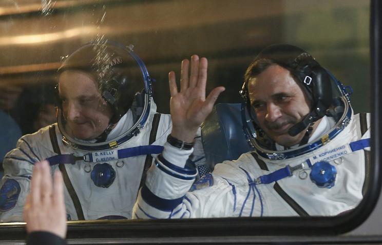 American astronaut Scott Kelly and Russian cosmonaut Mikhail Kornienko