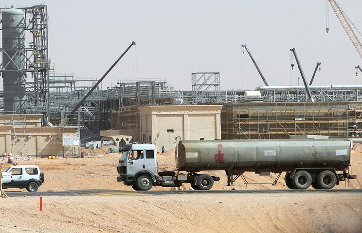 Khurais oil field, about 160 km from Riyadh, Kingdom of Saudi Arabia
