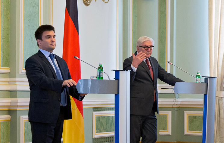 Ukrainian Foreign Minister Pavlo Klimkin with his German counterpart Frank-Walter Steinmeier