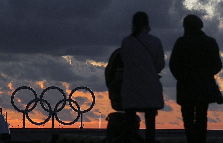 IOC delays decision on banning Russia