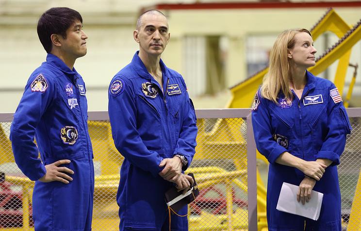 ISS Expedition 48/49 crew members, Takuya Onishi, Anatoly Ivanshin and Kathleen Rubins