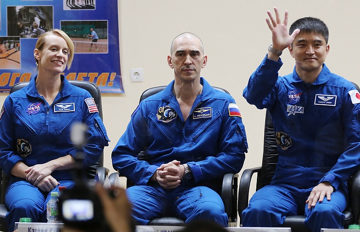Kathleen Rubins, Anatoly Ivanishin and Japanese astronaut Takuya Onishi