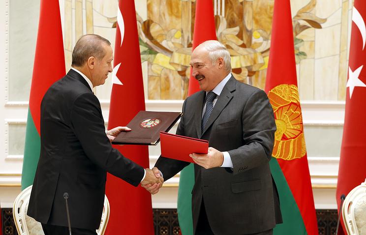 Turkish President Recep Tayyip Erdogan and Belarusian President Alexander Lukashenko