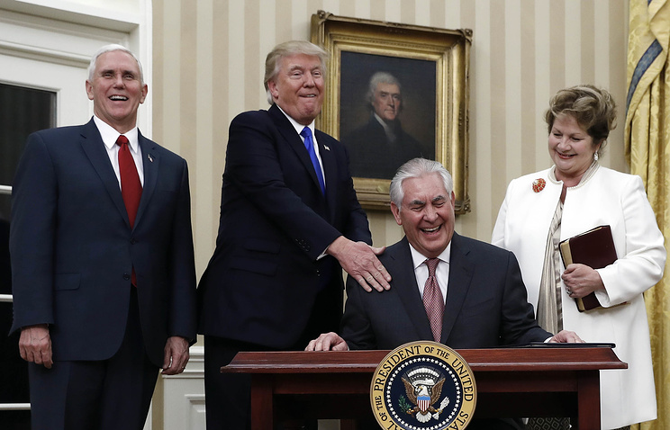 US Secretary of State Rex Tillerson, President Donald Trump, Vice President Mike Pence and his wife Renda St. Clair