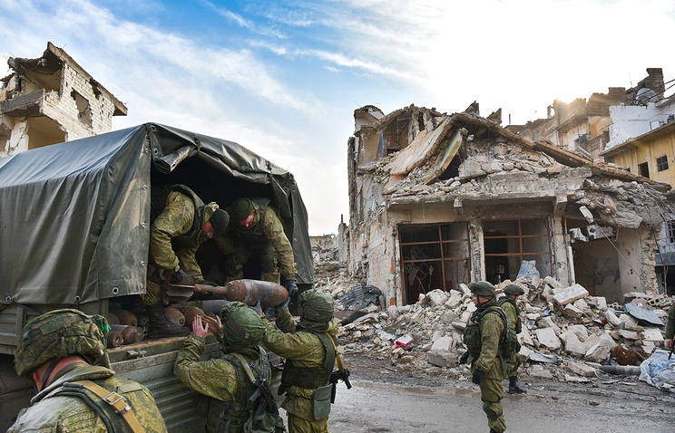 Russian sappers clearing eastern Aleppo of mines