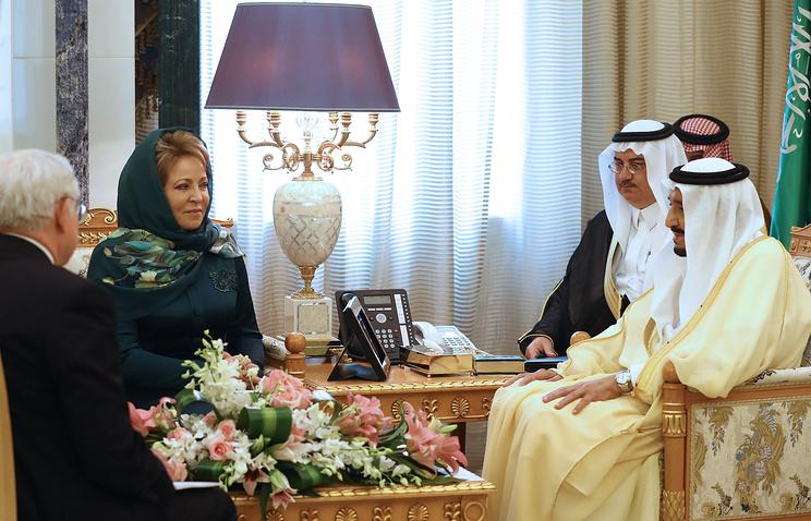 Russian Federation Council Chairperson Valentina Matvienko and King Salman bin Abdulaziz Al Saud of Saudi Arabia
