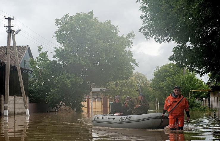 Flooding in the Levokumka settlement