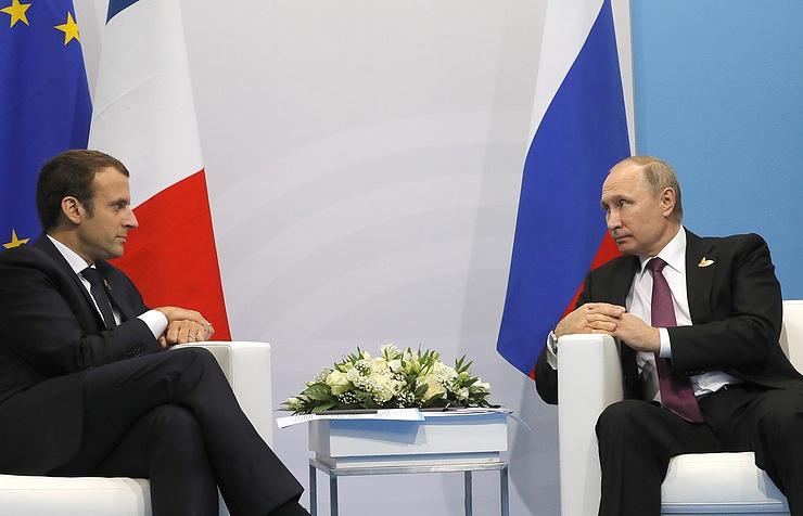 President of France Emmanuel Macron and President of Russia Vladimir Putin